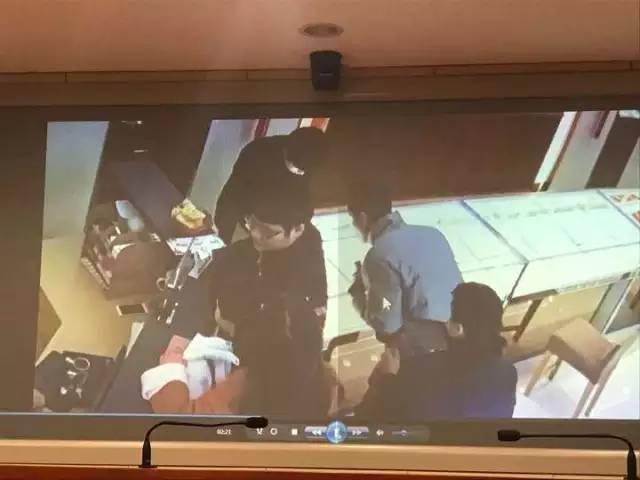 1月9日下午,专案组在广西桂林、湖南永州分别抓获全部4名涉案嫌疑人。其中,谷某、罗某系多地上网逃犯,曾因涉嫌抢劫被广西、四川、广东等地警方上网追逃。