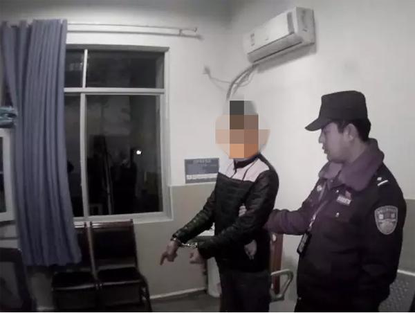 嫌疑人指认现场。泸县警方供图