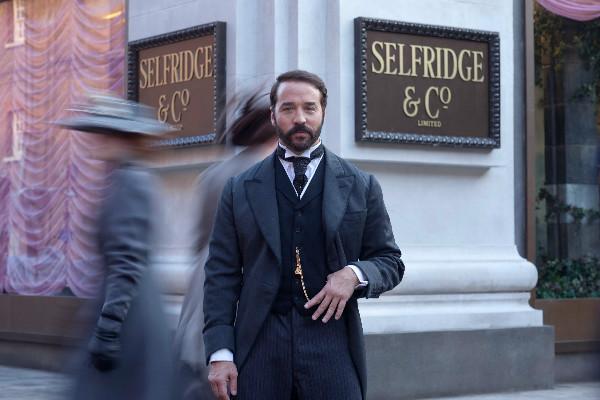 《塞尔弗里奇先生》:让世界发光的伦敦百货商场