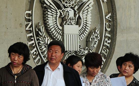 特朗普收紧移民政策 中国富人赶移民末班车(组图)