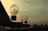 灯泡也玩无线磁悬浮