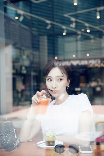"""肖涵饰演""""大表姐""""吴玥"""