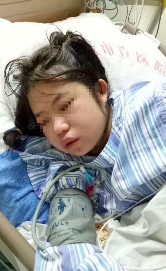 李艳秋服下剧毒农药送医后,在医院重症监护室抢救数日,目前仍未脱离生命危险。 第一时间 图