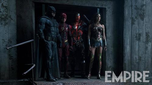 """""""正联""""新剧照:DC四巨头凝视的对象是什么?"""