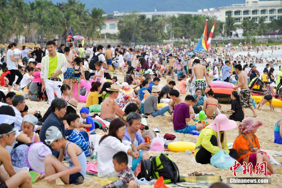 数万旅客畅享椰风海韵阳光沙岸,体会纷歧样的新年假期。_article_url