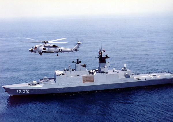 """台湾海军康定舰,属于购自法国的""""拉斐特级""""护卫舰"""