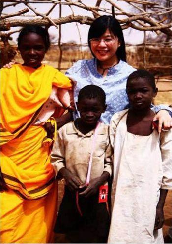 张捷在非洲外派服务中。照片由受访者提供
