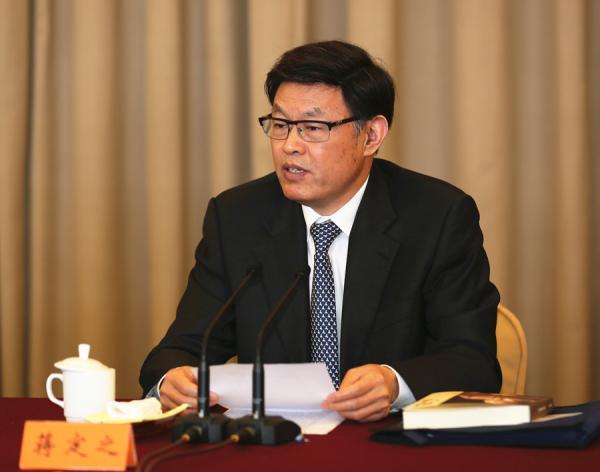 男,1954年9月生,汉族,江苏溧阳人,中央党校研究生学历,工程硕士学位,1978年7月加入中国共产党,1975年1月参加工作。