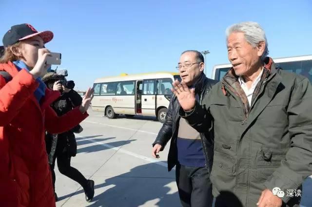 跨越54年的招手,老兵王琪元宵节回家了 摄/法制晚报记者 黑克