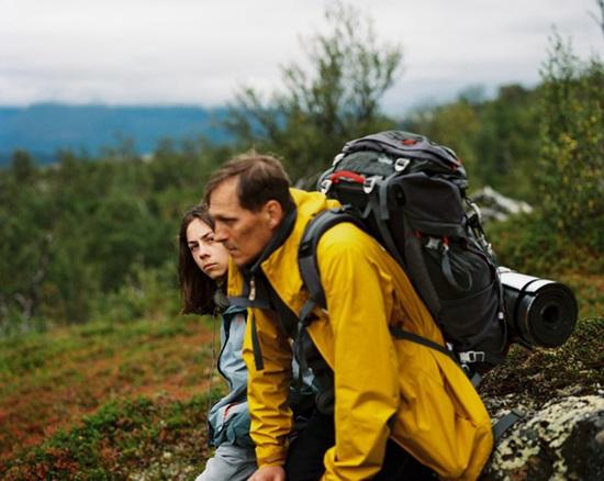 《明亮的夜》是一部关于父子关系的公路电影