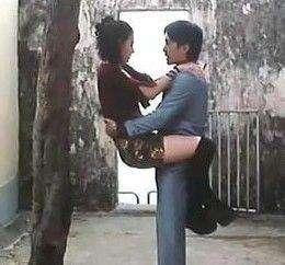 不要第一次约会就接吻,这是对自己自尊的保护。