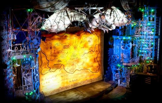 """""""龙钟""""是其中标志性的场景,整个舞台搭建需要100个人5个昼夜完成"""
