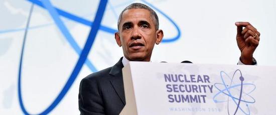 尽管奥巴马任期内一贯表达反核武器的态度,访问广岛。试图提出承诺不首先使用核武器。但是同时美国包括新一代战略核潜艇,B-21战略轰炸机,以及美国空军的核武升级计划在内的各种预想方案也是在奥巴马任期内核准的