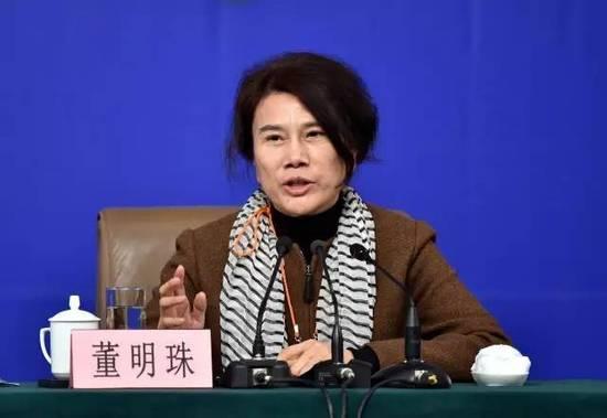 """2016年3月,董明珠公开谈中国制造时称:""""外国消费者不相信中国产品,让我觉得很耻辱。"""""""