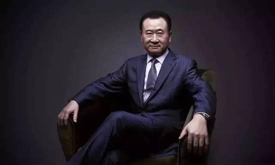 """2016年,王健林接受采访时称,""""我说过一句话,万达如果说做的一定年头或者相对有稳定点职务,如果将来靠退休金活着,这是我们的一种耻辱。"""""""