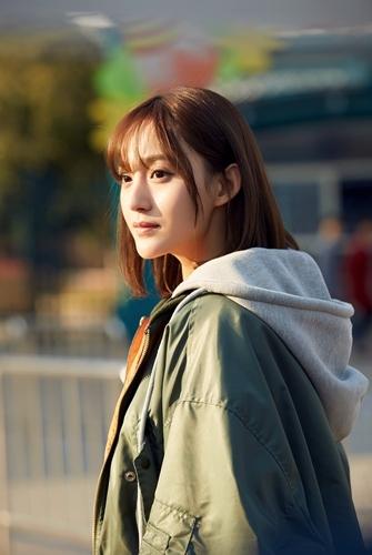 艾晓琪在剧中饰演女二号蓝芮