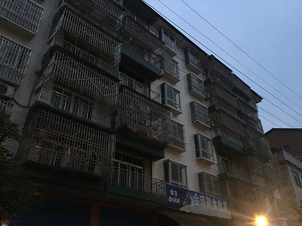 胡河东的新家位于达州市大竹县牌楼乡牌楼北街。本文图像除签名外 磅礴新闻记者 王鑫 图