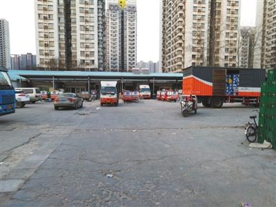 2月20日,位于海淀区八家嘉苑附近的中通快递货运站点人员稀少。新京报记者 陈彦旭 摄