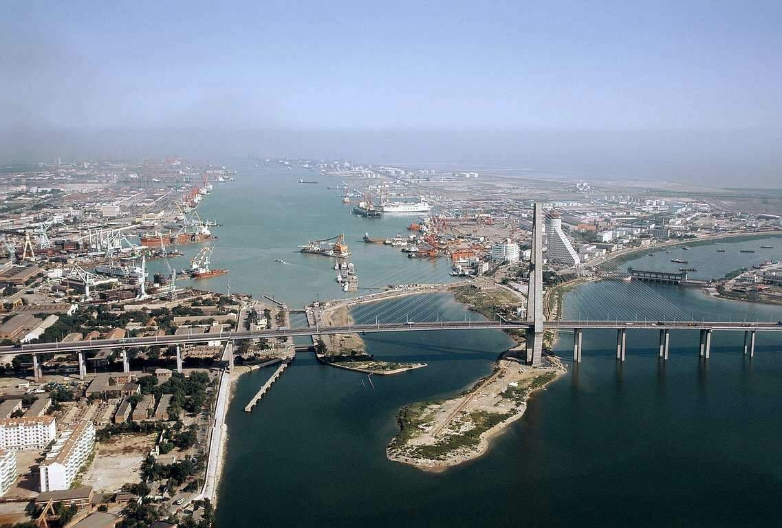 皇家加勒比、意大利歌诗达、美国公主邮轮等等,你能想到的国际著名的大型邮轮公司,几乎都在天津开设了母港航线,整个世界触手可及.