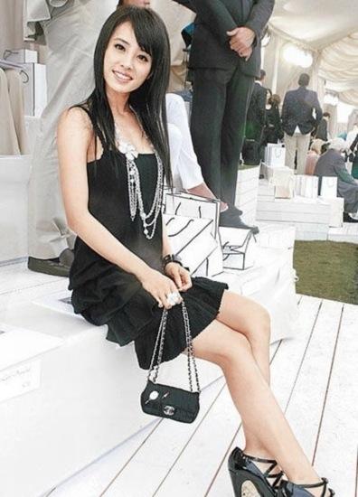 蔡依林作为亚洲唯一受邀女艺人出席2007巴黎时装周