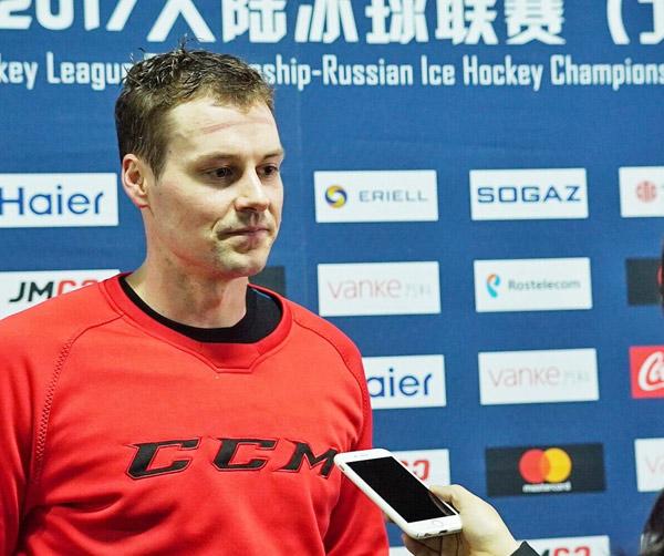 www.yl764.com点击进入鸿星主帅:为中国带来高水平冰球 无畏面对强敌