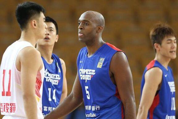 FIBA:中华台北男篮续约戴维斯 或战2018亚洲杯