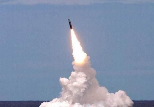 朝鲜试射导弹(资料图)