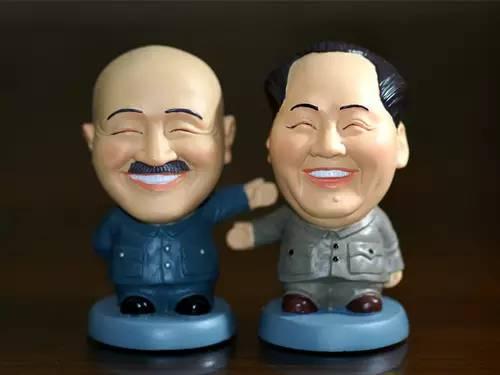 """台""""文化部""""推中正纪念堂转型 蒋介石商品下架"""