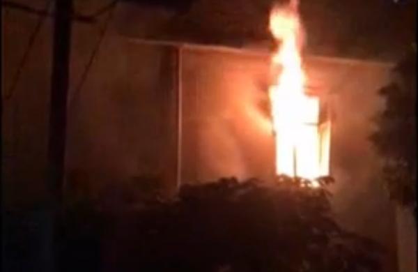 图为火灾发生现场視頻截图。