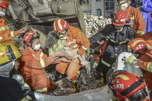 温州自建房倒塌事故大救援(部分) 浙江温州市消防支队 余根铃 摄