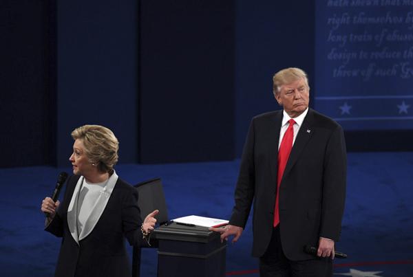 """美总统大选""""二辩""""开始 新华社华盛顿分社 殷博古 摄"""
