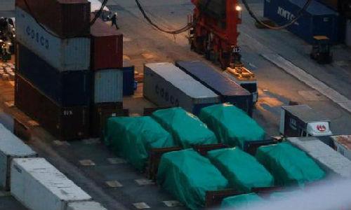 资料图:新加坡的装甲车此前被扣留在香港屯门内河码头的露天仓库。