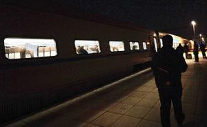 夫妻乘高铁往返北京廊坊上班 月花2600比租房便宜