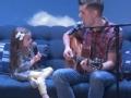 《艾伦秀第14季片花》第一百一十三期 克莱尔与父亲戴夫同台献唱 艾伦送其礼物获赞