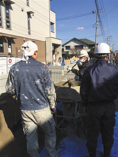刘晓冬在日本打黑工的工地。受访者供图