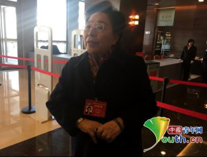 江泽慧委员现身驻地 重点关注精准扶贫问题