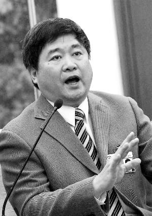 政协委员单霁翔:故宫周边古建群应申遗