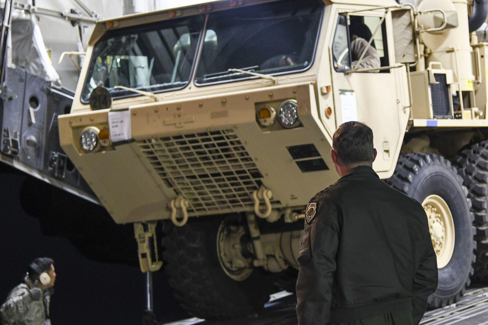 """""""萨德""""装备6日抵达韩乌山空军基地"""