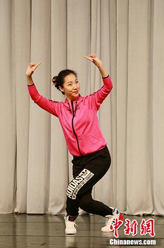多套戏曲体操亮相推动传统艺术进校园效果几何