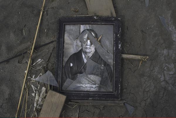 """2011年4月7日,日本福岛县,福岛核电站周围20公里范围内几乎成为""""无人区""""。 视觉中国 资料图"""