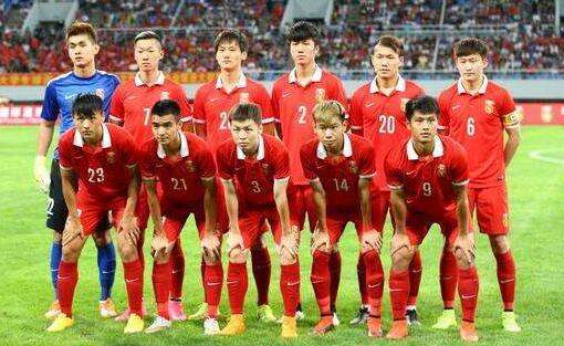 此前的中国国奥队首发队员合照