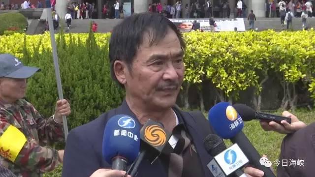 而台湾共产党中央书记吴淼火则表示,两岸一定要和平统一,如果有人不团结不一致对外,而是搞种种小动作的话,一定会自食其果。