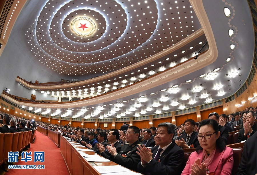 http://www.sinaimg.cn/dy/slidenews/1_t160/http://www.sinaimg.cn/dy/slidenews/1_t50/3月13日,全国政协十二届五次会议在北京人民大会堂举行闭幕会。新华社