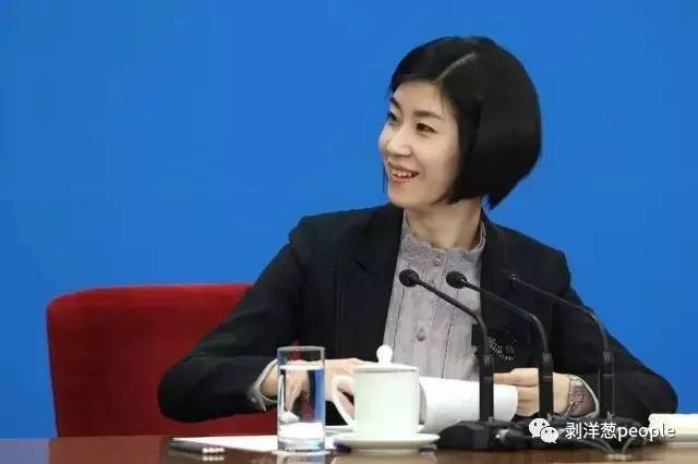 2012年总理记者会,张璐担任<a href=