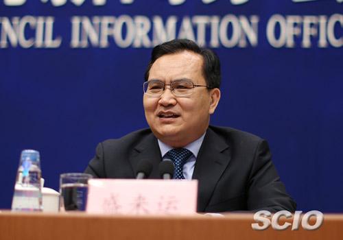 国家统计局新闻发言人、总经济师盛来运吴晓山 摄