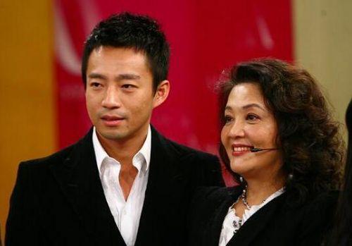 汪小菲与母亲张兰