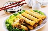 三月缤纷餐桌 荠菜春卷