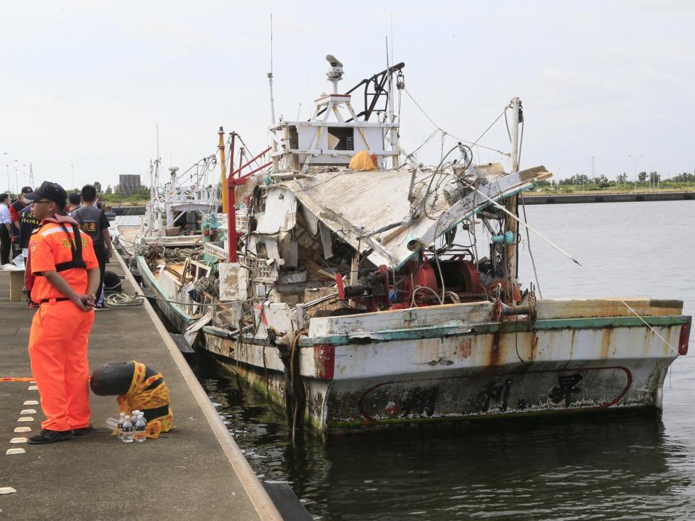 """2016年7月被误射的""""雄风3""""命中的渔船"""