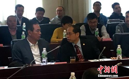蔡振华与张剑。中新网记者王牧青摄