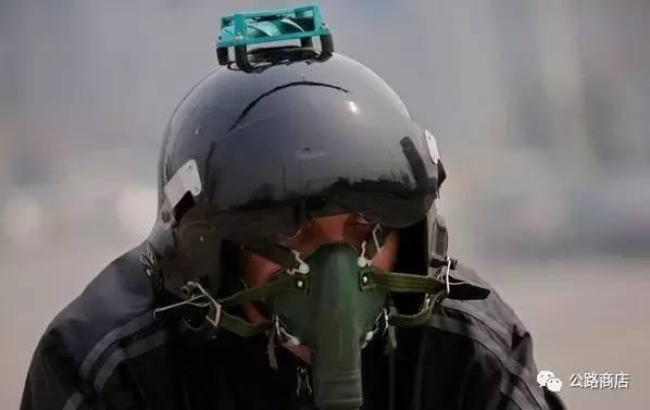 没有品尝过来自帝都霾的外国肺永远不能理解能在上海骑着单车超过车流的快感